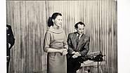 S nezapomenutelným hercem Luborem Tokošem v ostravském televizním studiu v roce 1955.