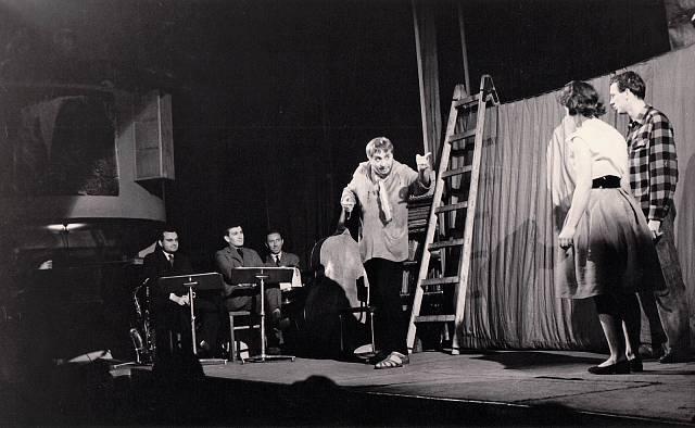 Člověk z půdy (1959).