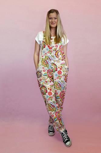 Kalhoty, které ochrání vaše krásné tělo, můžou být taky krásné, jako tyhle Monterki Folklorky.