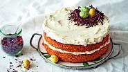 Bezlepkový mrkvový dort s čokoládovým hnízdem a marcipánovými vajíčky