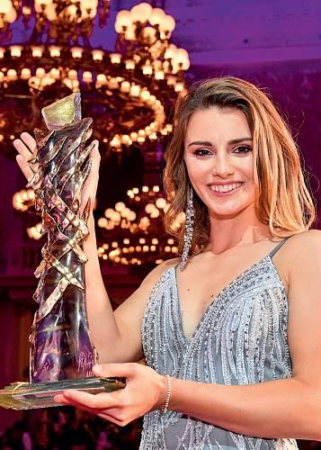 V únoru 2019 byla vyhlášena vítězkou pátého ročníku ankety Golfista roku 2018.