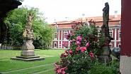 Zahradu zámku Stekník u Žatce si nenechte ujít.