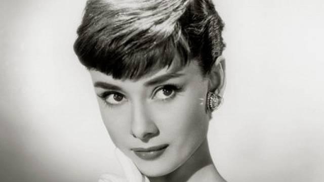 Nezapomenutelná herecká a módní ikona Audrey Hepburn trpěla komplexy