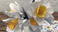 Papírové narcisy jsou překrásné, že? Nabízí je na Fleru atelier TOTUM DIEM.
