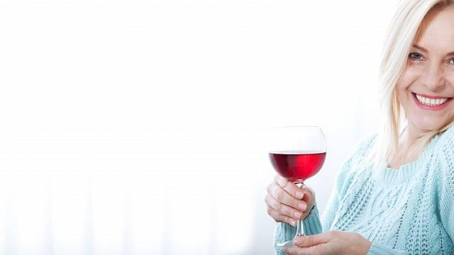 Při hubnutí alkohol raději vynechte úplně