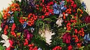 Podzimní věnec s rakytníkem, Ladies & Flowers, 590 Kč