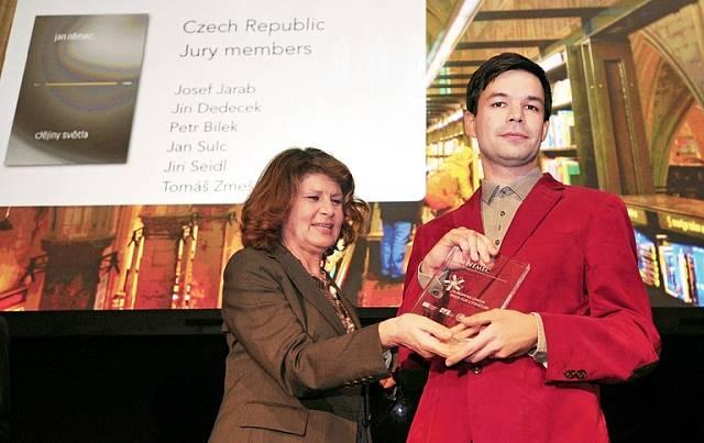 V roce 2014 v Bruselu převzal cenu EU za knihu Dějiny světla