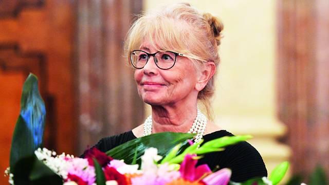 Signatářka Charty 77 Daňa Horáková převzala 12. 11. 2018 cenu Ústavu pro studium totalitních režimů (ÚSTR) za statečné občanské postoje v době totality.