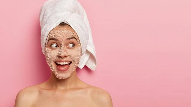 Peeling prospěje suché kůži