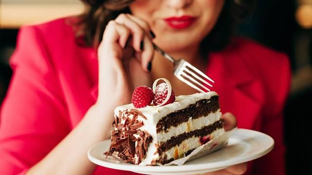 Příliš tuků může značit nejen příliš kilogramů navíc, ale také bolesti
