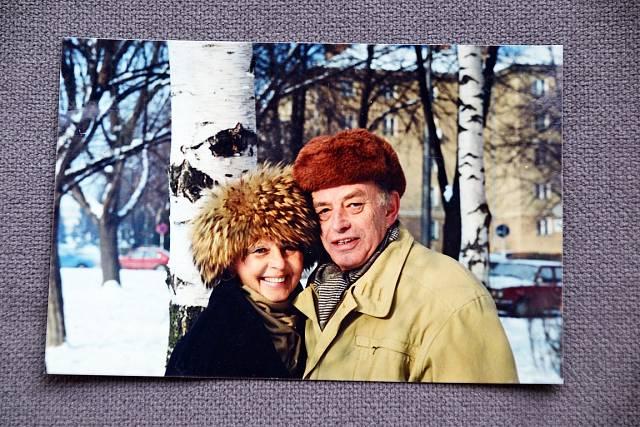 S manželem režisérem Františkem Mudrou v zimě 2003.