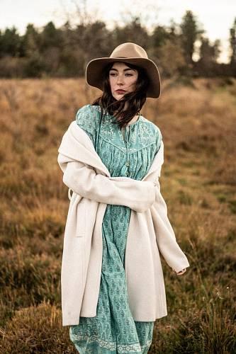 Vycházkový outfit, Dilli