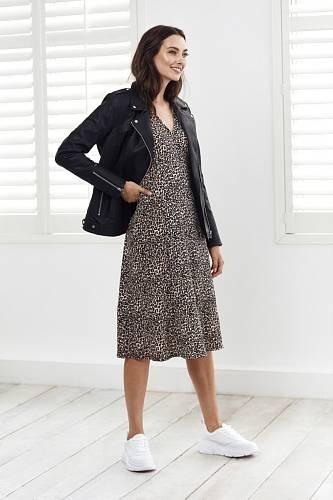 Šaty, Wallis
