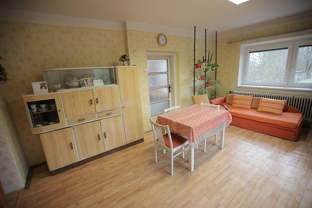 Obývací pokoj před rekonstrukcí