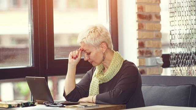 Práce z domova může být někdy vyčerpávající, protože nemáte klid jako v kanceláři