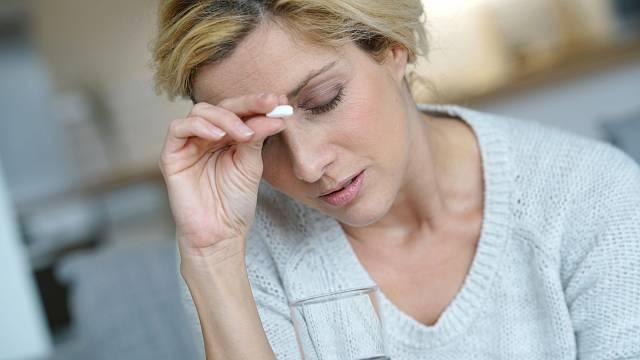 Asi tušíte, že léky na bolest škodí žaludku, ale netušíte, že poškozují i srdce