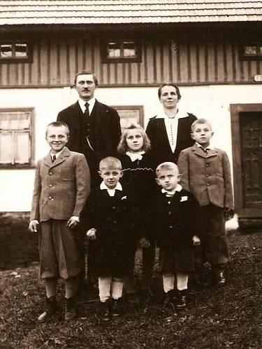 Neugebauerovi v roce 1948. Klement vpravo.