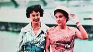 Letní šaty s látkovým páskem z roku 1960.