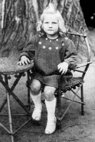 Eva Pilarová, po prázdninách do školy 1945
