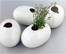Kameny z řeky Vydry inspirovaly výtvarnici Šárku Schmelzerovou.