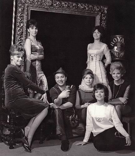 Šest žen (1962).