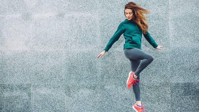 Pohodlné, sportovní boty jsou vhodné i ve chvíli, kdy už máte nějaké potíže s chodidly