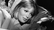 Filmovou kariéru zahájila na konci 50. let. V roce 1963 zazářila ve filmu Striptýz.