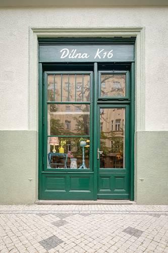 : Nikolu najdete na nikolakorcakova.com nebo v její dílně na Vinohradech v Praze.