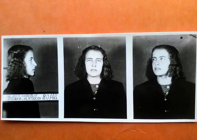 Policejní fotografie Marie Heiny před uvězněním