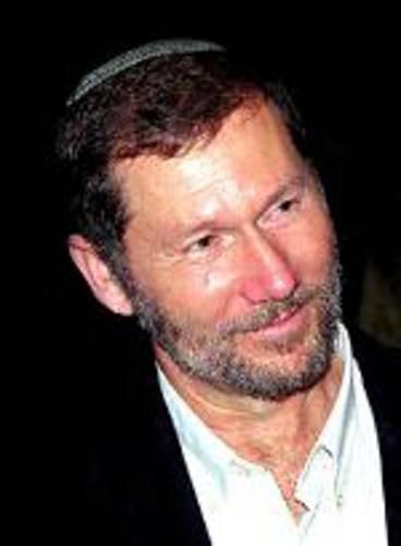 Syn Evy Adorian Eli. Zabit palestinskými sebevrahy v červenci 1997 během atentátu na jeruzalémském tržišti Mahane Yehuda