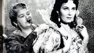 Ve slavné komedii z roku 1939 Dívka v modrém, kde si zahrála po boku Oldřicha Nového.