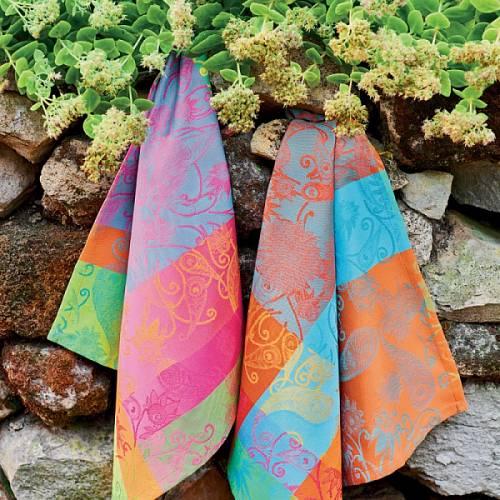 Luxusní záplava barev jako v přímořské zahradě.
