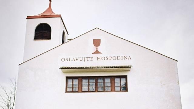 Kostel v Chotíněvsi postavený volyňskými Čechy