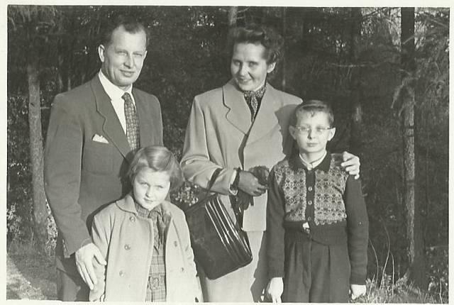 Celá rodina pohromadě i s druhou narozenou dcerou Haničkou