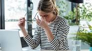 Stres komplikuje hubnutí nejen tím, že máte tendenci ho zahánět sladkým