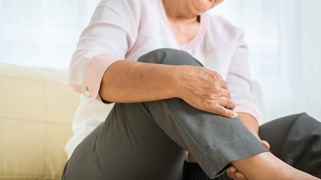 Bolesti nohou jsou součástí stárnutí. Je ale třeba pátrat po příčině