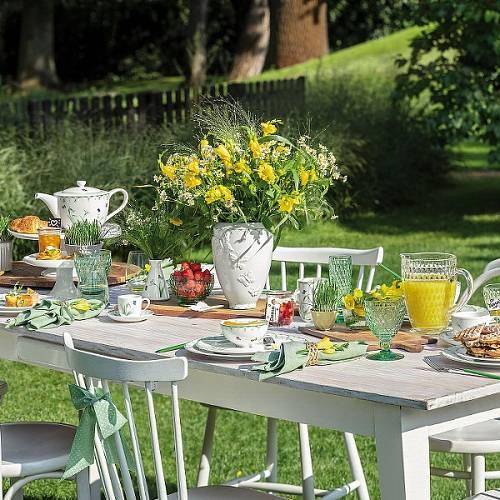 Zahradní slavnost podle značky Villeroy & Boch.