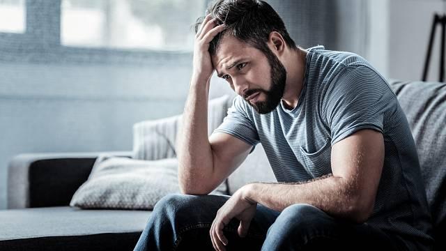 Nečekejte, že muž se bude svěřovat se svými emocemi