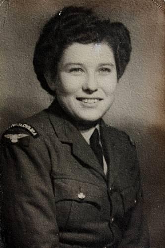 Margita Rytířová v uniformě - 1943