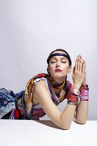 Blogerk Luice Van Koten v kampani pro českého výrobce šátků Silky Gang