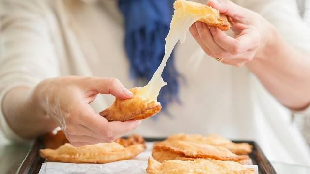 Zapečeno se sýrem. Pozor na taková jídla, mají hodně na první pohled skrytých kalorií