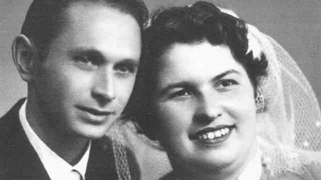 Svatební fotografie Ladislava a Růženy Bartůňkových z 29. září 1956