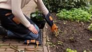 Profesionální, pevné a dlouhé kožené rukavice vás ochrání u každé zahradnické práce, tyhle jsou Esschert Design.