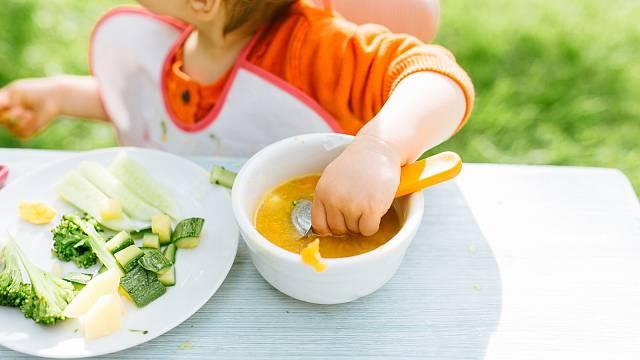 Dnešní prarodiče občas nechápou stravovací návyky svých vnoučat