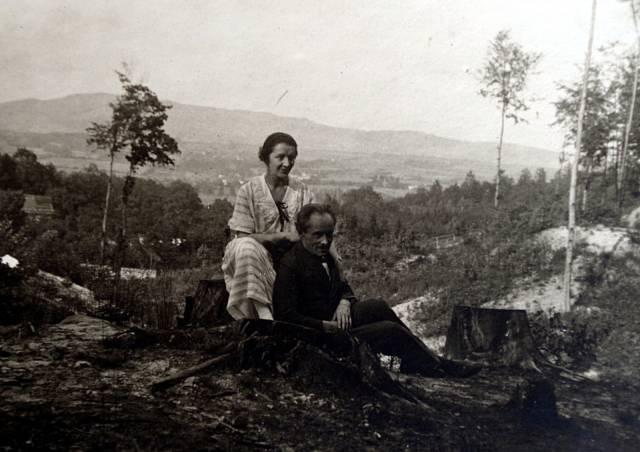 JUDr. Antoš s manželkou (rodiče Mariina manžela)