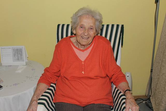 Nyní žije paní Milada v domu pro seniory Oáza v Lidicích (2013)