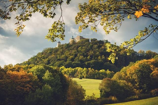 Jako první cíl vás možná z Uherského Hradiště přivábí hrad Buchlov.