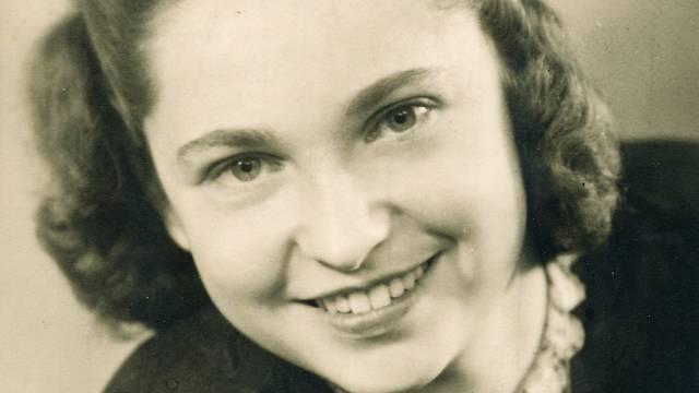 Irena Popperová (Racková) - říjen 1940