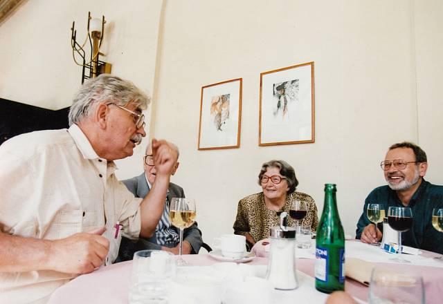 Setkání s Jiřím Kolářem v Savoyi, na fotce též manžel Ludvík Vaculík