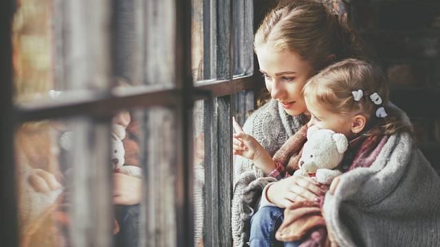 Vše se točí kolem dětí a na partnerský vztah není čas. Mužům to ale často vyhovuje a nesnaží se to změnit